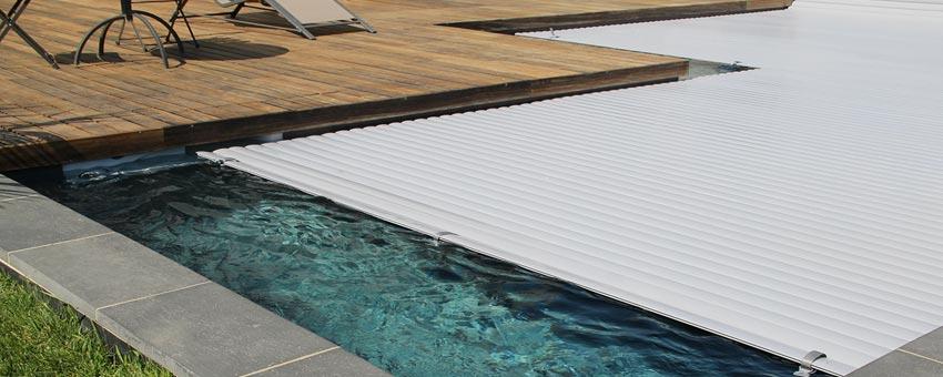 Guide volet de piscine