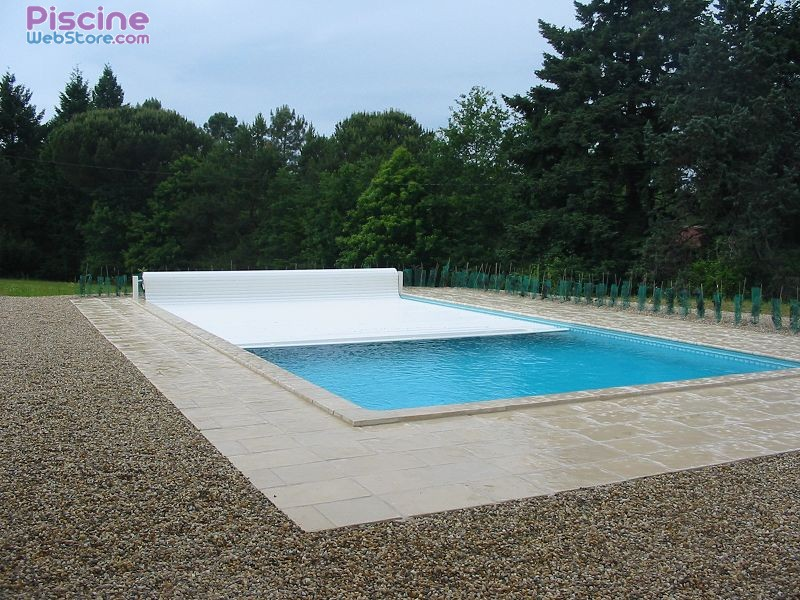 Volet de piscine automatique hors sol voleo for Robot automatique piscine hors sol