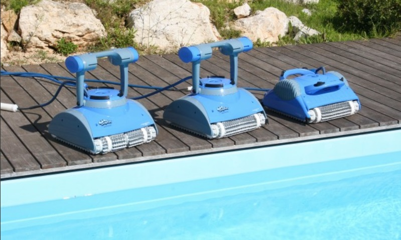Robot piscine lectrique dolphin master m4 for Avis robot dolphin poolstyle m1